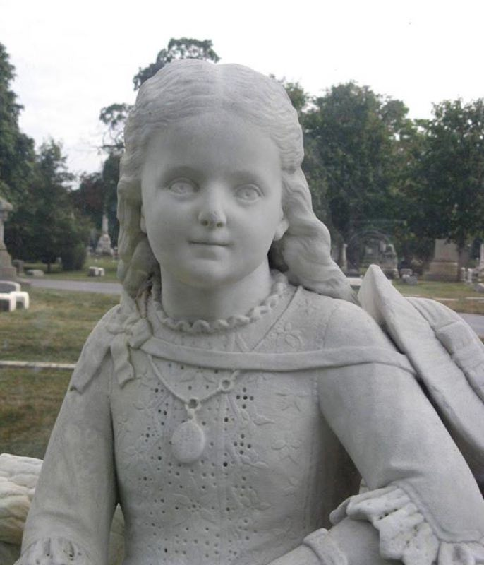 La statua di Inez Clarke